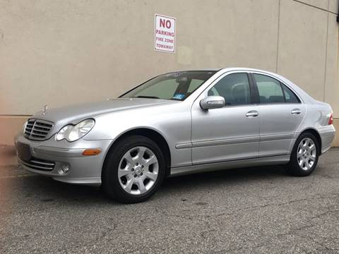 2005 Mercedes-Benz C-Class for sale at International Auto Sales in Hasbrouck Heights NJ
