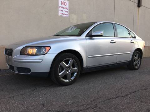 2005 Volvo S40 for sale at International Auto Sales in Hasbrouck Heights NJ