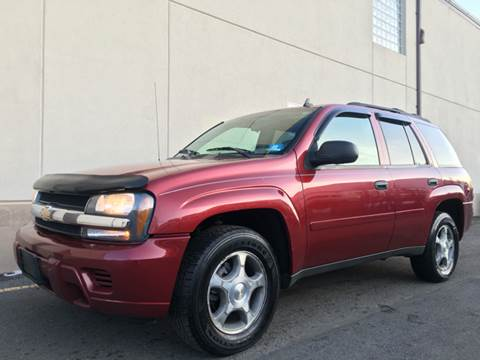 2006 Chevrolet TrailBlazer for sale at International Auto Sales in Hasbrouck Heights NJ