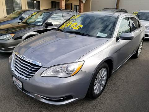 2013 Chrysler 200 for sale at Showcase Luxury Cars II in Pinedale CA