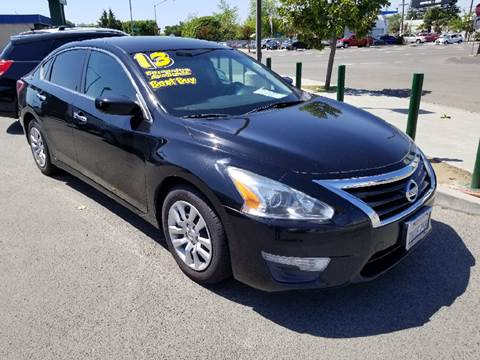 2013 Nissan Altima for sale at Showcase Luxury Cars II in Pinedale CA