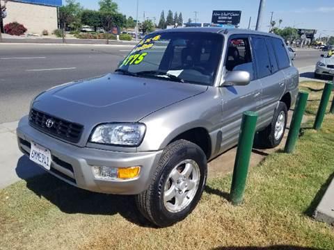 2000 Toyota RAV4 for sale at Showcase Luxury Cars II in Fresno CA