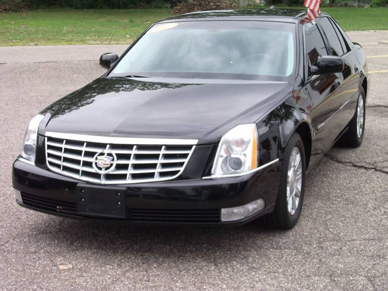 Cadillac Dts Luxury Passenger Sedan In Grand Rapids Mi