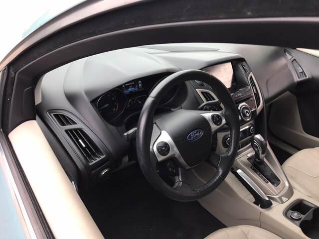 2012 Ford Focus SEL 4dr Hatchback - Wakefield RI
