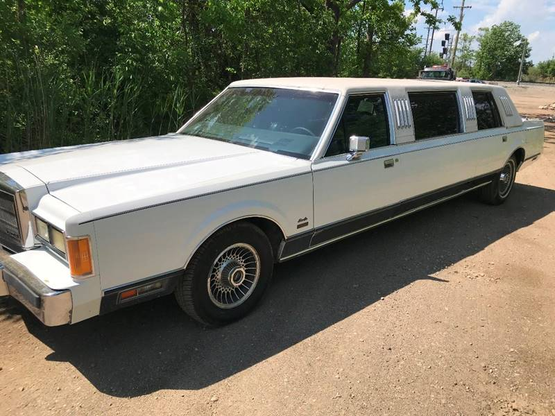 1989 Lincoln Town Car car for sale in Detroit