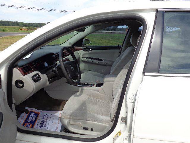 2007 Chevrolet Impala LS (image 5)