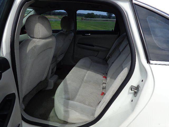 2007 Chevrolet Impala LS (image 7)