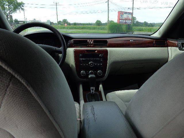 2007 Chevrolet Impala LS (image 8)
