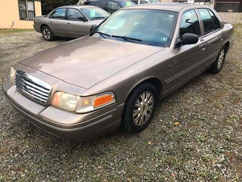 2004 Ford Crown Victoria for sale in New Kensington, PA