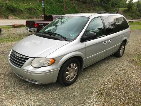 2006 Chrysler Town and Country for sale in New Kensington, PA