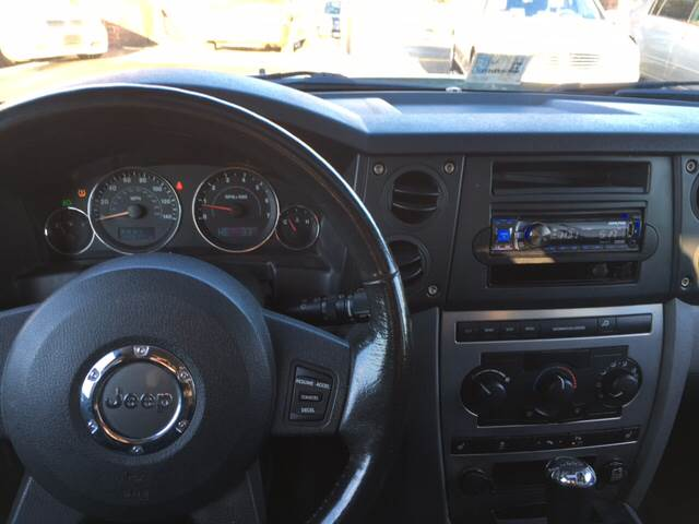 2006 Jeep Commander for sale at Aiden Motor Company in Portsmouth VA