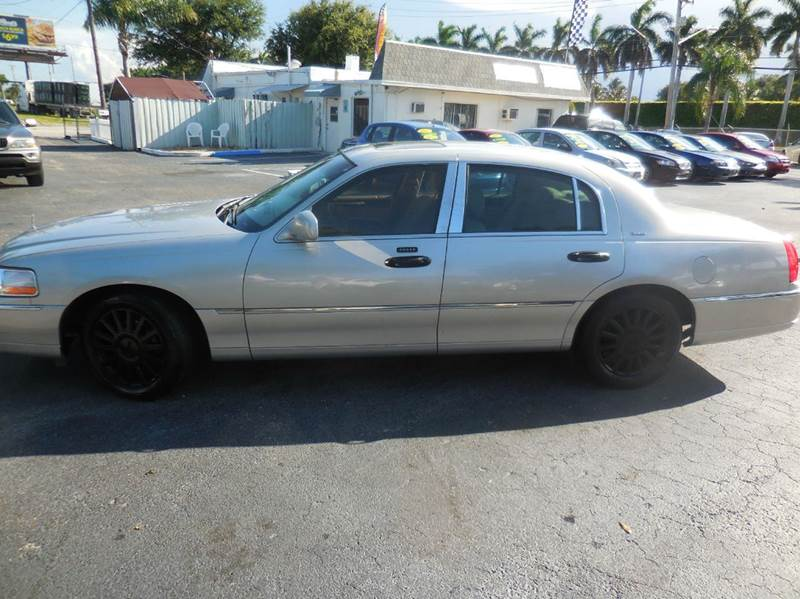 2004 Lincoln Town Car Ultimate 4dr Sedan In West Palm Beach Fl