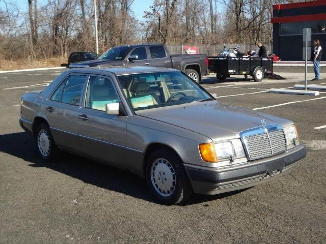 1991 Mercedes-Benz 300-Class for sale at US 1 Auto Mall Inc in Trevose PA