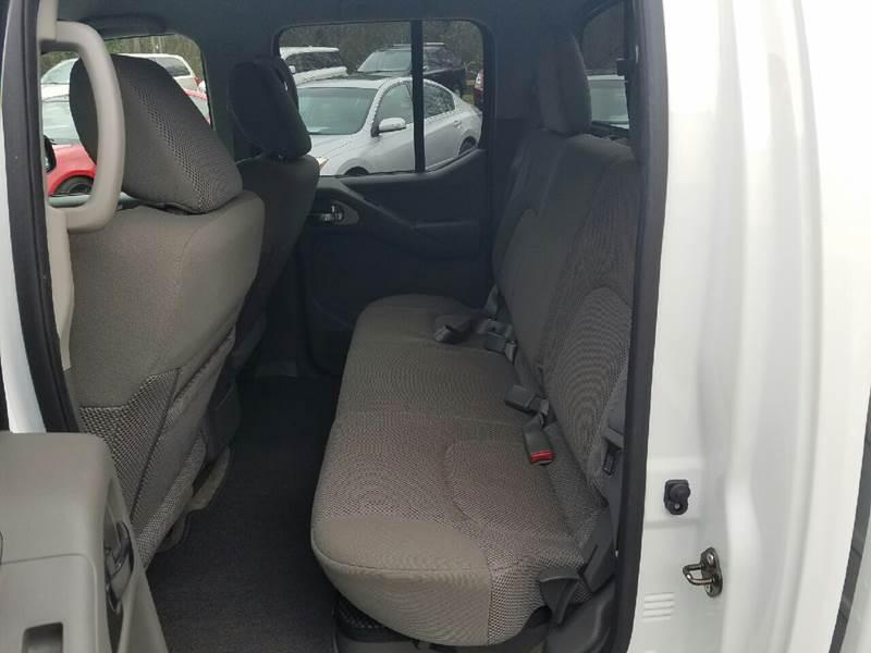 2016 Nissan Frontier 4x4 SV 4dr Crew Cab 5 ft. SB Pickup 5A - Columbus GA
