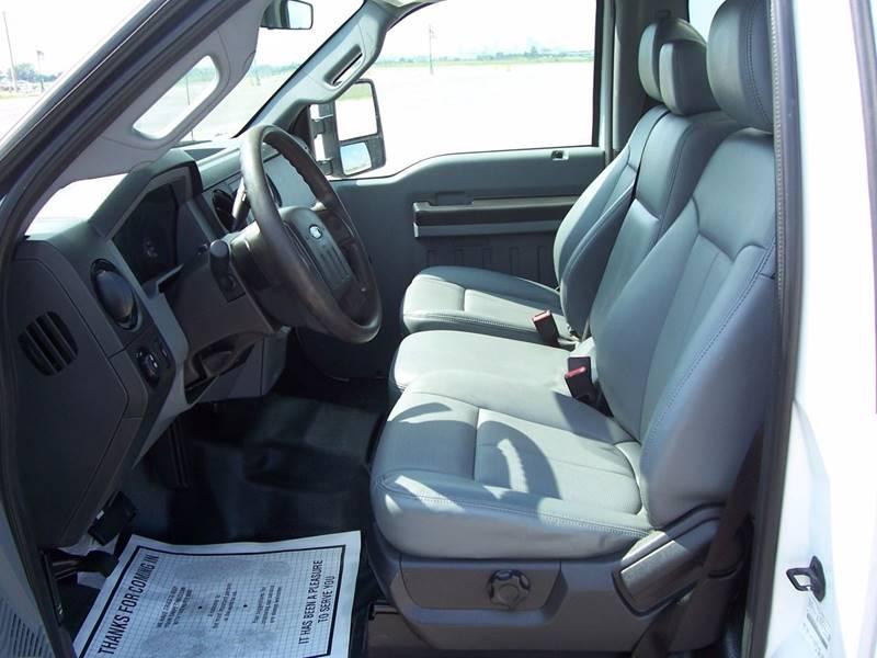 2013 Ford F-250 Super Duty 4x2 XL 2dr Regular Cab 8 ft. LB Pickup - Sauget IL