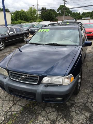 1998 Volvo V70 car for sale in Detroit