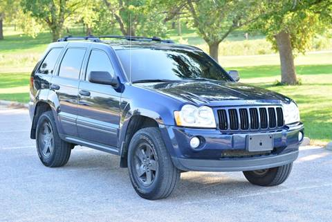 2005 Jeep Grand Cherokee for sale at UNISELL AUTO in Omaha NE