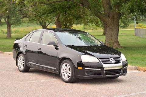 2009 Volkswagen Jetta for sale at UNISELL AUTO in Omaha NE