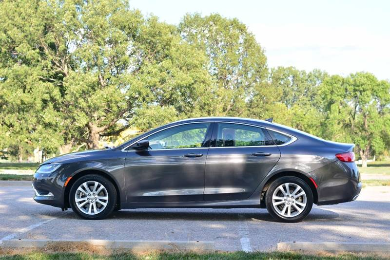 2015 Chrysler 200 for sale at UNISELL AUTO in Omaha NE