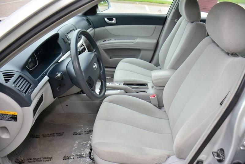 2008 Hyundai Sonata for sale at UNISELL AUTO in Omaha NE
