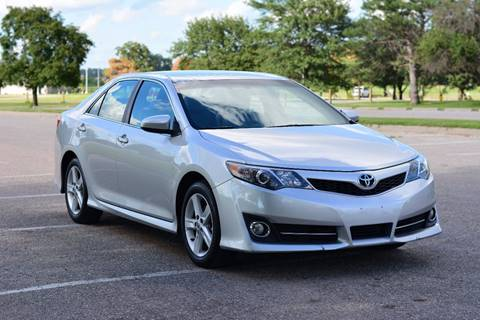 2013 Toyota Camry for sale at UNISELL AUTO in Omaha NE