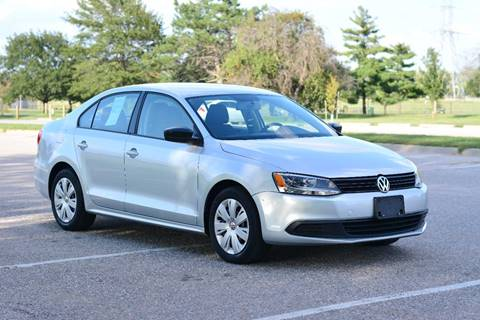 2012 Volkswagen Jetta for sale at UNISELL AUTO in Omaha NE