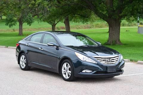 2013 Hyundai Sonata for sale at UNISELL AUTO in Omaha NE