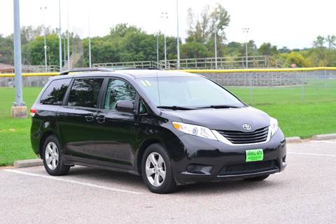 2012 Toyota Sienna for sale at UNISELL AUTO in Omaha NE