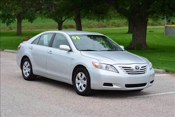 2009 Toyota Camry for sale at UNISELL AUTO in Omaha NE