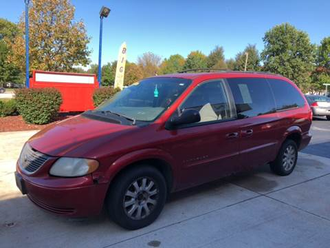 2001 Chrysler Town and Country for sale in Oregon, IL