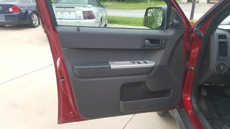 2012 Ford Escape AWD XLT 4dr SUV - Medina OH