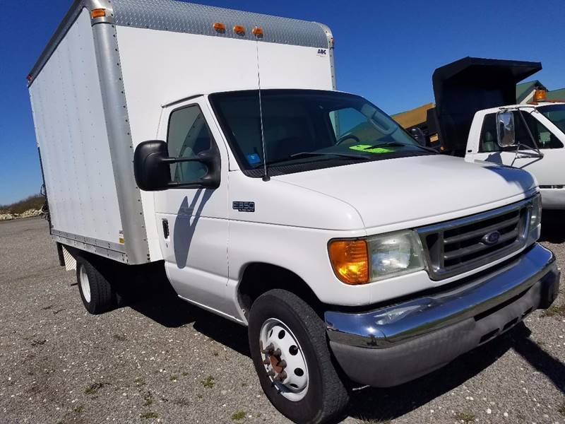 2005 Ford E-350 for sale at ZumaMotors.com in Celina OH