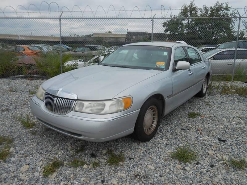 2001 Lincoln Town Car Executive 4dr Sedan In Philadelphia Pa Nicks