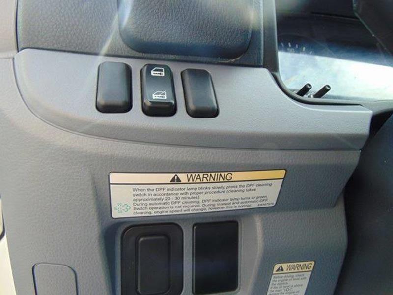 2015 Mitsubishi Fuso Fec92s 4X2 2dr Regular Cab 149 6-161 0 in  WB