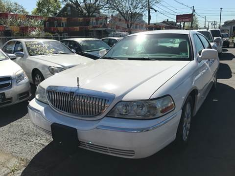 2004 Lincoln Town Car for sale at Chambers Auto Sales LLC in Trenton NJ