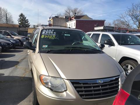 2006 Chrysler Town and Country for sale at Chambers Auto Sales LLC in Trenton NJ