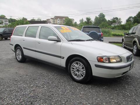 2004 Volvo V70 for sale at Saratoga Motors in Gansevoort NY