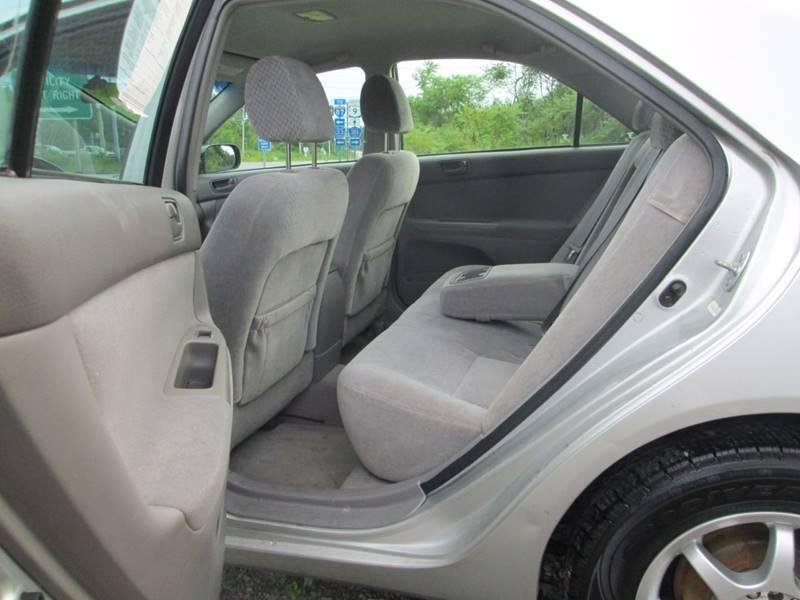2004 Toyota Camry LE 4dr Sedan - Gansevoort NY