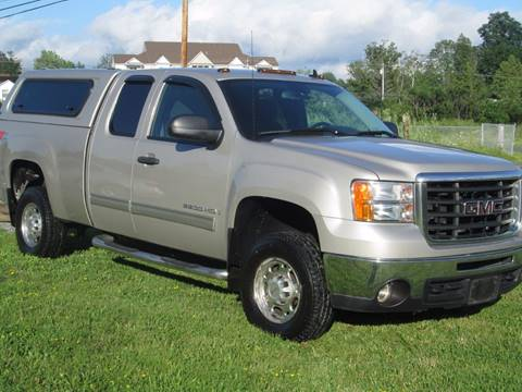 2008 GMC Sierra 2500HD for sale at Saratoga Motors in Gansevoort NY