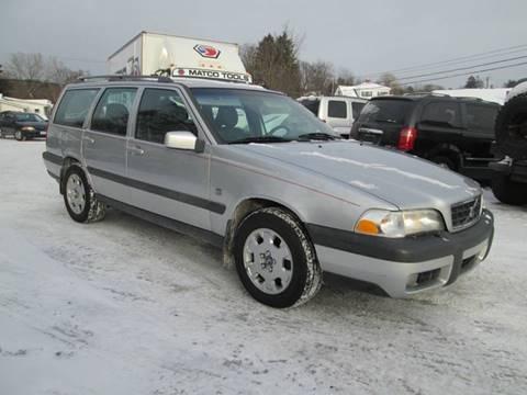2000 Volvo V70 for sale at Saratoga Motors in Gansevoort NY