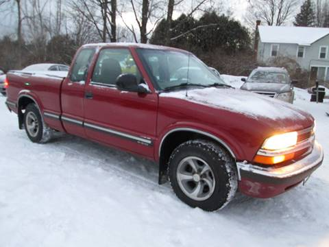 1998 Chevrolet S-10 for sale at Saratoga Motors in Gansevoort NY