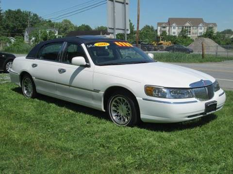 2000 Lincoln Town Car for sale at Saratoga Motors in Gansevoort NY