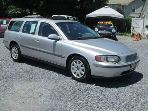 2002 Volvo V70 for sale at Saratoga Motors in Gansevoort NY