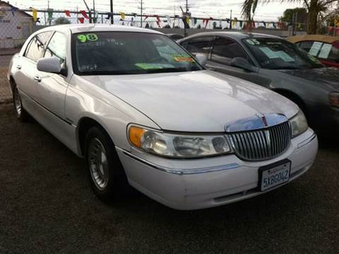 1998 Lincoln Town Car For Sale In Putnam Ct Carsforsale Com