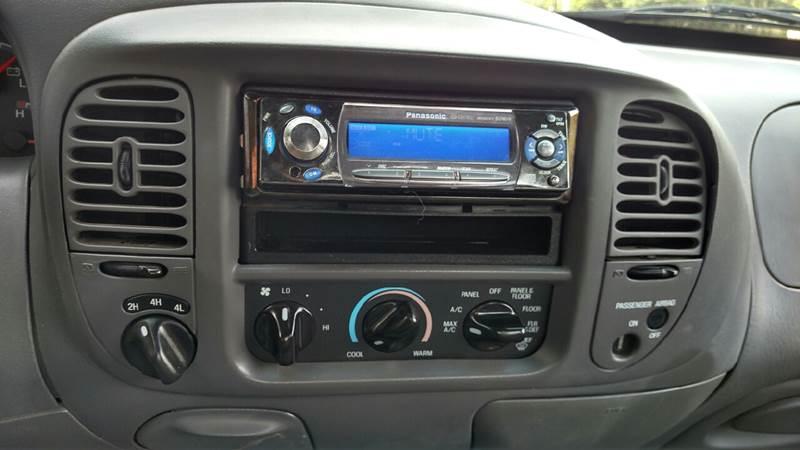 2001 Ford F-150 2dr Standard Cab XLT 4WD Styleside LB - Farwell MI