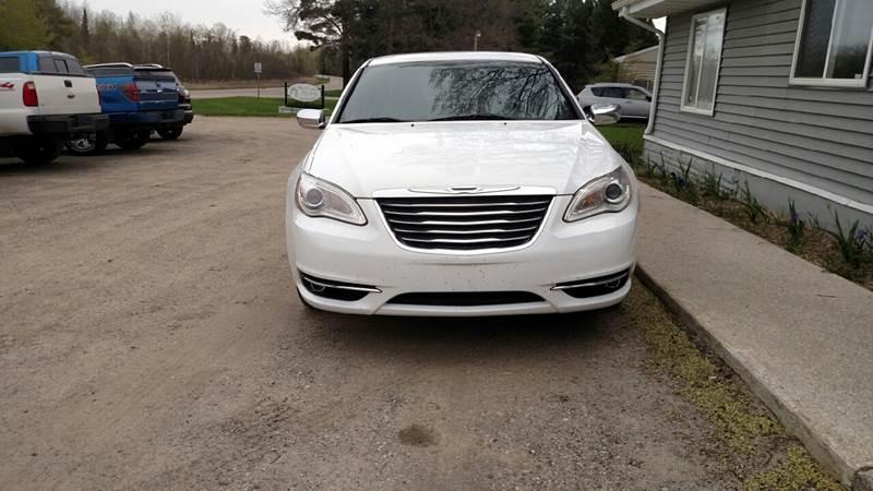 2014 Chrysler 200 Limited 4dr Sedan - Farwell MI