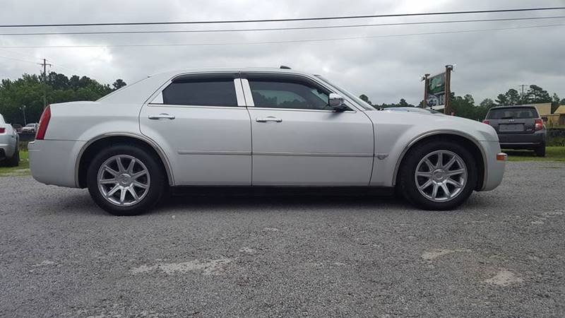 2005 Chrysler 300 for sale at Real Deals of Florence, LLC in Effingham SC