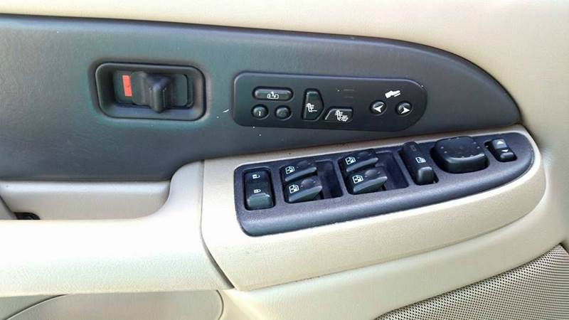 2004 Chevrolet Avalanche for sale at Real Deals of Florence, LLC in Effingham SC