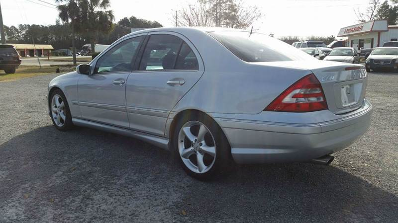 2006 Mercedes-Benz C-Class for sale at Real Deals of Florence, LLC in Effingham SC