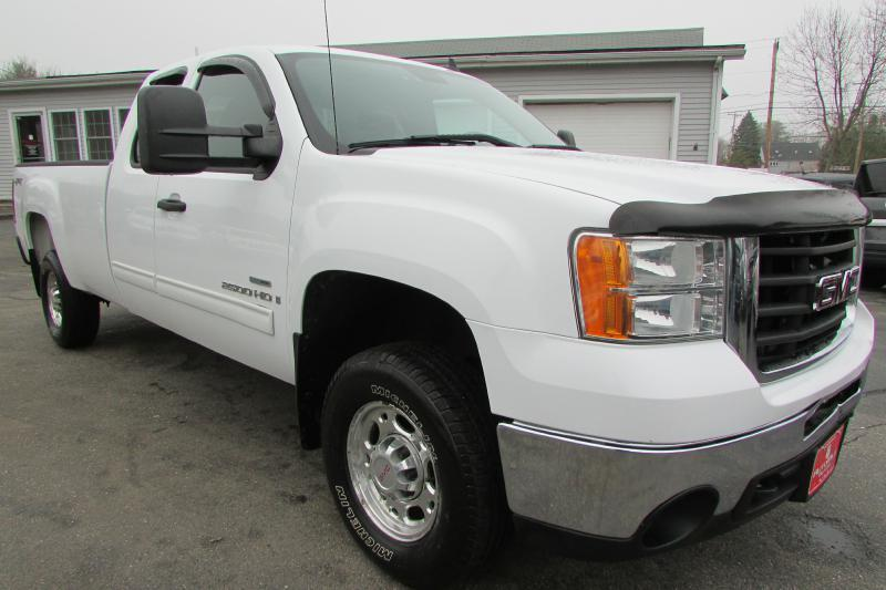 2008 GMC Sierra 2500HD for sale at AutoMile Motors in Saco ME